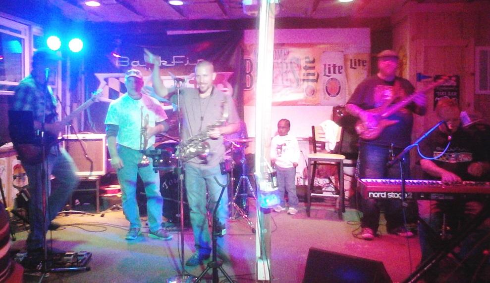 Backfin band