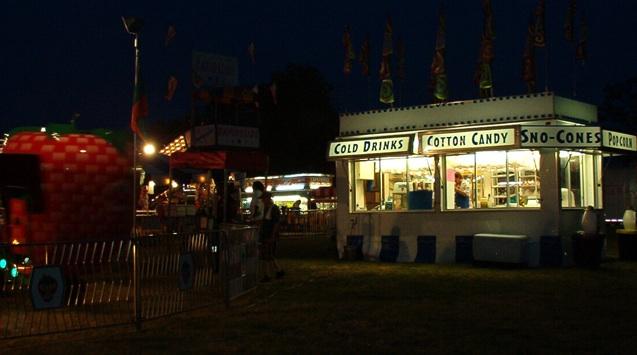 nighttime photo of carnival