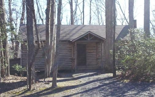 Virginia Cabin Rental at Stratford Hall