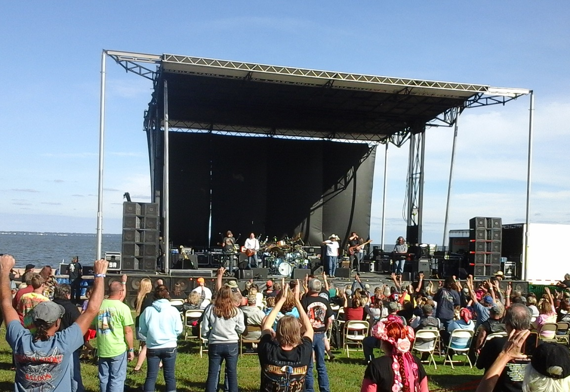 Concert on main stage