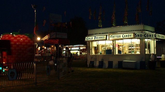 nighttime photo of carnival