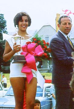 Miss Potomac 1964 and her trophy