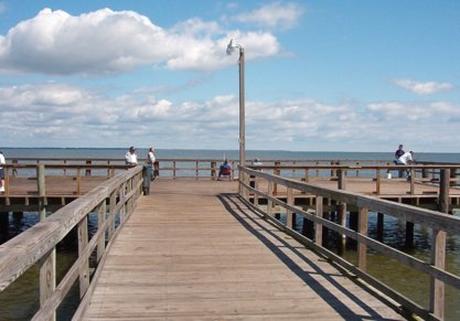 Colonial Beach Pier Fishing. image (c)2009 K. Price